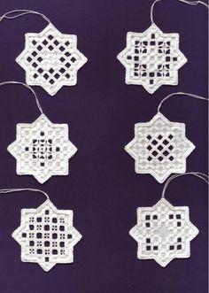 Hardangerowe gwiazdki-wzór z internetu 7x7cm XI 2005r