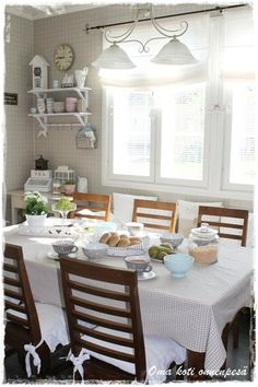 Oma koti onnenpesä Sweet Home, Table Settings, Kitchen, Furniture, Home Decor, Houses, Cooking, Decoration Home, House Beautiful