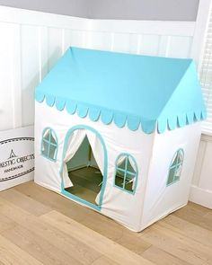 Cardboard Playhouse, Diy Playhouse, Playhouse Furniture, Cardboard Toys, Cardboard Furniture, Baby Play House, Tent House For Kids, Diy Doll Closet, Baby Tent