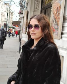 Big round sunglasses, from this year's must, photographed on the streets of London!😎🌼 . . . #sunglasses #fashion #style #stylish #love #picoftheday #sea #girl #instafashion #beach #photooftheday #girl #girls #model #woman #eyewear #glam #styles #outfit #shopping #lifestyle #fashionista #streetstyle #menoumespiti #stayhome #london London Street, Eyewear, Round Sunglasses, Street Style, Sea, Lifestyle, Woman, Stylish, Girls