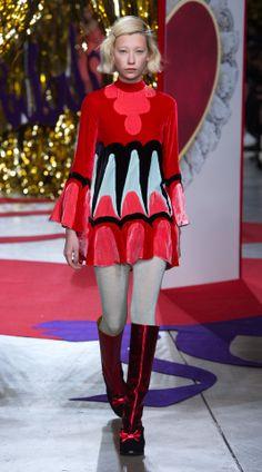 USO DEL ROJO WGSN - Fashion Trend Forecasting: Photo