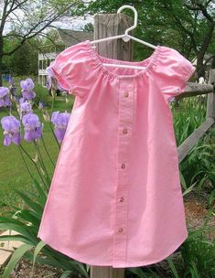 peasant dress out of men's shirt so cute! My babygirls closet will be made up of dresses! So adorable Frock Fashion, Diy Fashion, Sewing Clothes, Diy Clothes, Dress Sewing, Girls Dresses Sewing, Diy Kleidung, Baby Frocks Designs, Frock Design