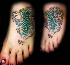 If I were to ever get a tatoo, and I know I wouldn't, this would be the one....love this FABULOUS color and design