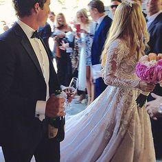 @misshayleypaige got married!!!! ❤️ #love #weddinggown #wedding #bride #bridetobe #bridal #bridalinspo #perfection #bridalcouture #gown #amazing #couture #weddinginspo #instabride #instalove #detail #thankheavenforseveneleven