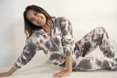 Brown Tie, Dark Brown, Girls Shopping, Hoodies, Sweatshirts, Zip Hoodie, New Look, Latest Trends, Tie Dye