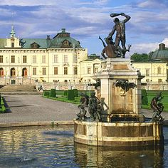 City Tour en Estocolmo + Museo Vasa a partir de 50 € (grupos de 20 pax.) Cities, Statue Of Liberty, Mansions, House Styles, Travel, Stockholm, European Travel, Cruises, Sweden