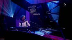 VIDEO Mika - Grace Kelly (Live Jools Holland 2006) (High Quality video) (HD)