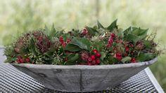 Natural Christmas, Elegant Christmas, Christmas Design, Country Christmas, Flower Decorations, Christmas Decorations, Christmas Ideas, Flower Crafts, Christmas Traditions