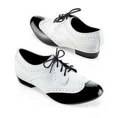 Melissa white & black Oxford shoes.. really want this shoes so much >_
