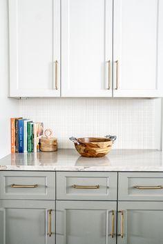 Green Kitchen, Eat In Kitchen, Built In Storage, Garage Storage, Green Cabinets, Kitchen Cabinets, Kitchen Design, Kitchen Decor, Low Cabinet