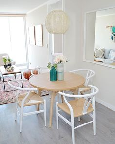 Dining Chairs, Furniture, Instagram, Ideas, Home Decor, Square Meter, Small Spaces, Dining Room, Home Decoration