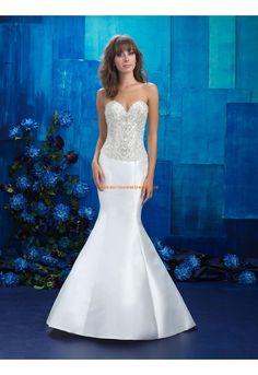 Robe de mariée satin sans manches dos nu col en coeur sirène collant