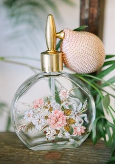 at ruche Air Of Romance Vintage Perfume Bottle