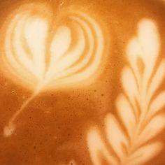 Zítra bude krásné dobré ráno!Pro jakou kávu se rozhodnete?  #espresso  #kava  #cappuccino  #coffee  #goodcoffee  #onlineshop  #čarovnákáva  #turmkaffee Bude, Espresso, Latte, Tableware, Instagram, Food, Espresso Coffee, Dinnerware, Dishes