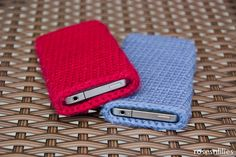 Free Crochet iPhone Sleeve Pattern - Red and Blue...I saw this and stopped what I was doing and made one for my Kindle in an hour. Cool!