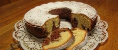 Orange and chocolate combination is amazing and here is a chocolate orange marble cake recipe including both wonderful ingredients. Köstliche Desserts, Delicious Desserts, Baked Marbles, Cyprus Food, Surimi Recipes, Plain Cookies, Marble Cake Recipes, Coconut Pudding, American Desserts