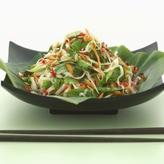 Fast Day Dinner: Thai salad - 500 calories a day - Woman And Home 800 Calorie Meal Plan, Calorie Diet, Fish Recipes, Salad Recipes, Chicken Recipes, 500 Calories A Day, 5 2 Diet, Thai Salads, Fast Day