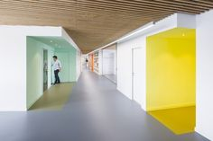 Image 4 of 16 from gallery of Fondation des Terrains Industriels Headquarters / Studio Banana. Photograph by Rubén Bescós Office Space Design, Workplace Design, Healthcare Design, Interior Work, Interior Architecture, Interior Design, School Architecture, Design Commercial, Commercial Interiors