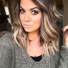 Are you going to balayage hair for the first time and know nothing about this technique? We've gathered everything you need to know about balayage, check! Medium Hair Styles, Curly Hair Styles, Hair Color Balayage, Blonde Fall Hair Color, Hair Bayalage, Fall Balayage, Fall Hair Colors, Brown Eyes Hair Color, Baylage Short Hair