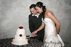 Cutting the cake. Wedding Photography by Storm Photographic Studio, Wedding Photography Gauteng. Photographic Studio, Cake Wedding, Mermaid Wedding, Wedding Photography, Wedding Dresses, Fashion, Pie Wedding Cake, Bride Dresses, Moda