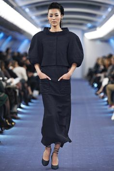 Chanel Spring 2012 Couture Fashion Show - Liu Wen (Elite)