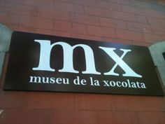 The Chocolate Museum is open Monday to Saturday from 10am to 7pm and 10am to 3pm on Sundays. Individual admission: €5. Our most popular activity, Chocolate Artists is about doing a chocolate sculpture and a drawing with melted chocolate. Booking places is essential. To do this, you can book the shows we have, you can send an e-mail to reserves@museuxocolata.cat or fill in the form indicated in the top right-hand corner of the home page of this website with your request.