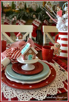 Corner of Plaid and Paisley: Peace Love and Gingerbread Tablescape Christmas Dinner Set, Christmas Makes, Merry Little Christmas, Vintage Christmas, Christmas Holidays, Christmas Crafts, Coastal Christmas, Christmas Kitchen, Scandinavian Christmas