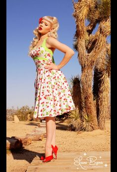 I love the 50's style! If I could rock this, I so would.