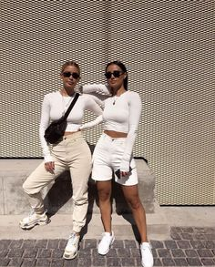 All white streetwear. Street style street fashion best street style OOTD OOTD inspo street style stalking outfit ideas what to wear now fash Mode Outfits, Trendy Outfits, Fall Outfits, Summer Outfits, Fashion Outfits, Womens Fashion, Fashion Trends, Gym Outfits, Travel Outfits