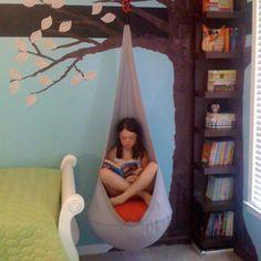 Cool kids reading nook for a playroom, kids bedroom, or nursery Tree Bookshelf, Bookshelves Kids, Tree Shelf, Book Shelves, Bookshelf Ideas, Book Storage, Painting Bookshelf, Simple Bookshelf, Corner Bookshelves