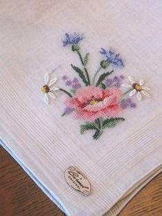 Antique/Vntg FLORAL BOUQUET EMBROIDERY Hankie Handkerchief-UNUSED-BURMEL ORIG!