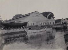 Nederlands-Indische Industrie, de fabriek van stoom en andere werktuigen te Soerabaja 1910 (Collections KITLV)