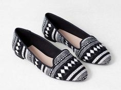 Black and white, aztec, loafer - Pull and Bear Pull & Bear, Black Cropped Pants, My Wardrobe, Barefoot, What To Wear, Slippers, Vogue, Loafers, Black And White