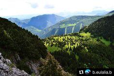 Peknú oddychovú nedeľu plnú nových zážitkov praje #praveslovenske  foto @b.eulalia.b   Krásne Slovensko  #malyrozsutec #malafatra #slovensko #slovakia #trees #forest #hills #trip #adventure #nature #landscape #rocks #mountains