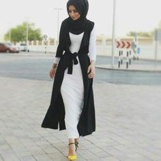 Hijab and abayas is modest Islamic clothing staple attire of women wardrobes either tradition of tre Dubai Fashion, Abaya Fashion, Modest Fashion, Muslim Women Fashion, Islamic Fashion, Modest Wear, Modest Outfits, Look Fashion, Girl Fashion