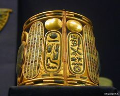 Gold bracelet : from the treasure of the royal tombs Tanis, ca. 1070-712 B.C. Cairo Museum...........PARTAGE OF LARS WENNELID...........