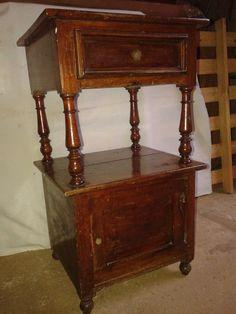 criado mudo estilo colonial toda a madeira de cedro rosa antes da restauração ...