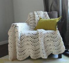 Cozy Feather and Fan Crochet Afghan ༺✿ƬⱤღ  https://www.pinterest.com/teretegui/✿༻