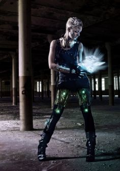 Cyberpunk - If someone could make leggings that glowed like this, it would be awesome!