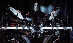 melhor baterista do mundo do slipknot !