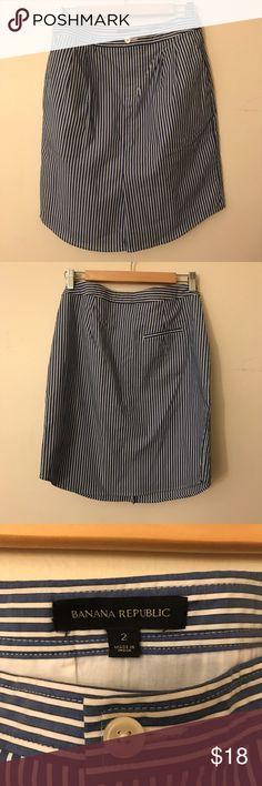 Banana Republic: Straight line skirt Straight line skirt with pockets. Banana Republic Skirts