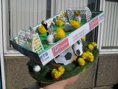 Seems like they have bunnies and chicks the same size as well as a small human referee. So how does that happen? Boys Easter Hat, Easter Bonnets For Boys, Easter Hat Parade, Crazy Hat Day, Crazy Hats, Easter Arts And Crafts, Kids Crafts, Easter Garden, Easter Eggs