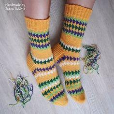 Ravelry: Retrosocks pattern by Jaana Talvitie Crochet Gloves, Knit Mittens, Knitting Socks, Knit Socks, Knit Hats, Knitting Charts, Knitting Patterns Free, Hat Patterns, Free Knitting