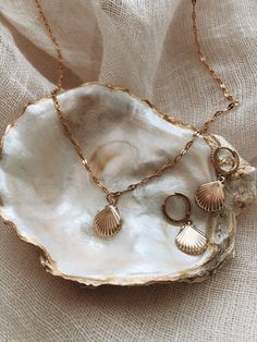 Bar Stud Earrings, Circle Earrings, Gold Hoop Earrings, Crystal Earrings, Coin Pendant Necklace, Cluster Earrings, Star Necklace, Diamond Earrings, Bridal Jewelry