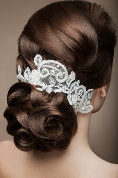 The Most Famous and Unique Wedding Hairstyles. Decide on One of those For Your Own Wedding Day.
