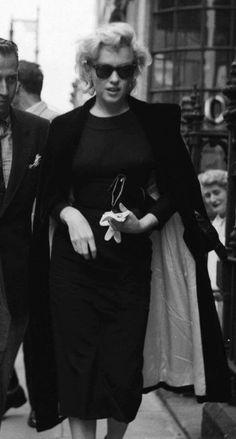 Shopping in  London   1956