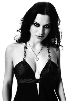 Cristina Scabbia pictures and photos Chica Heavy Metal, Heavy Metal Girl, Cristina Scabbia, Musica Metal, Vampires, Lacuna, Ladies Of Metal, Rock Queen, Women Of Rock