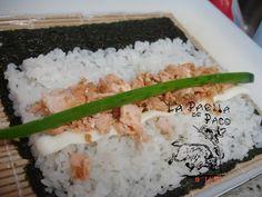 Sushi salmão grelhado. Ver la receta http://www.mis-recetas.org/recetas/show/27970-sushi-salmao-grelhado