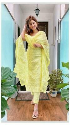 Casual Indian Fashion, Indian Fashion Dresses, Indian Outfits, Look Fashion, Fashion Outfits, Ethnic Outfits, Fashion Weeks, Fashion Styles, Indian Dresses For Women