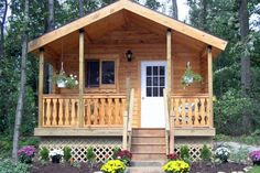 Small log cabin plans - Many log cabin builders leave their cabins unpainted to create a rustic look, but some choose to paint their cabins so they stand Cabin Kits For Sale, Small Log Cabin Plans, Tiny Log Cabins, Cabins For Sale, Wooden Cabins, Log Cabin Homes, Cabins And Cottages, Small Cabins, Small Cottages